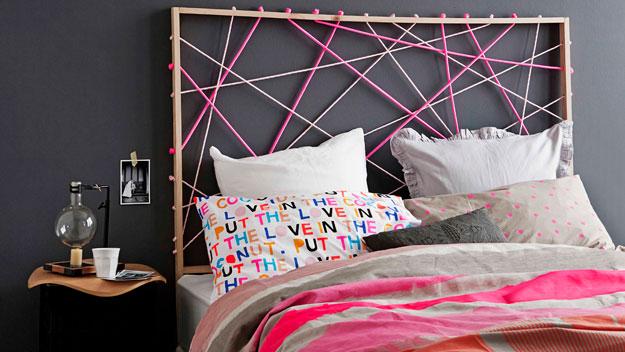 Sieć kolorowych sznurków